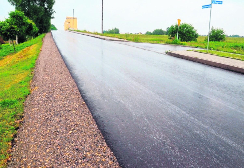Tak po remoncie wygląda droga powiatowa w Łączanach