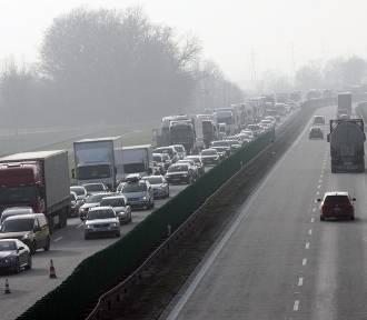 Utrudnienia na autostradzie A4 w kierunku Zgorzelca [JAK OMINĄĆ BLOKADĘ]
