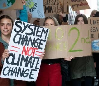 Strajk Klimatyczny - uczniowie znów upomnieli się o Ziemię
