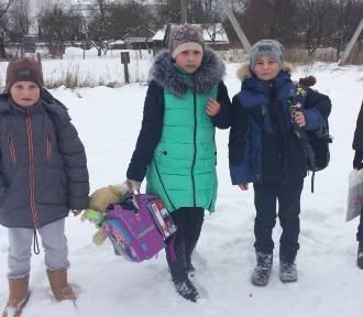 Pełne plecaki dla polskich dzieci na Litwie i Białorusi
