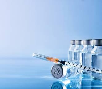 Nowe skutki uboczne preparatów przeciw COVID-19 AstraZeneca i Johnson & Johnson