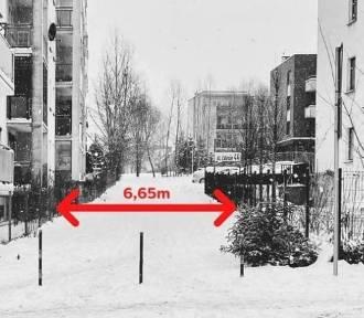 Dwukierunkowa droga wciśnięta między dwa bloki? Urząd nie widzi problemu