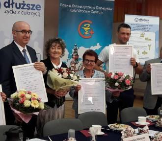 """""""Deklaracja 12 zasad w walce o dłuższe życie z cukrzycą"""" Na spotkaniu wrocławskich diabetyków"""