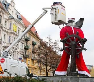 Świąteczny klimat w Szczecinie. Marynarz znowu stał się Mikołajem [ZDJĘCIA]