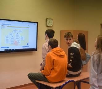 Nauka z wykorzystaniem nowych technologii w nowodworskim liceum
