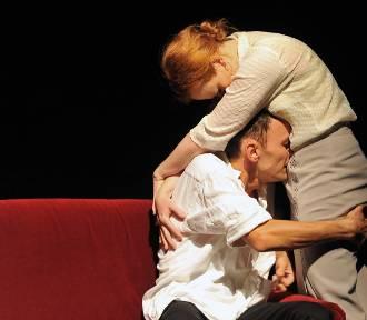 """Po premierze """"Bez tytułu"""" w Teatrze BOTO. Teatr wielkich emocji [RECENZJA]"""