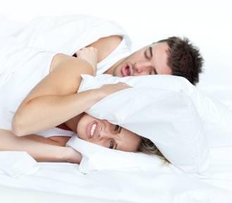 Chrapiesz, więc dobrze śpisz? Obalamy 9 najczęstszych mitów na temat chrapania!