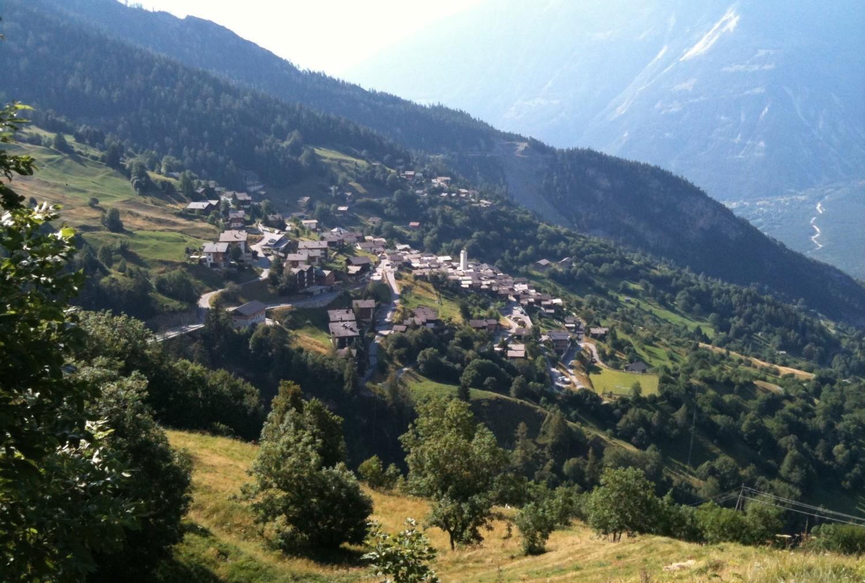 Albinen, SzwajcariaSzwajcarskie Albinen to malownicza górska wioska starająca się od 2017 roku przyciągnąć nowych mieszkańców