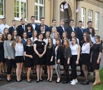 Pożegnanie absolwentów I LO im. Oskara Kolberga w Kościanie ZDJĘCIA