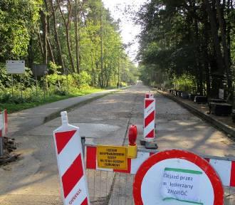 Gm. Postomino: Budują drogę za 3,9 miliona złotych z dofinansowaniem [ZDJĘCIA] - 2019 r. - kierowcy