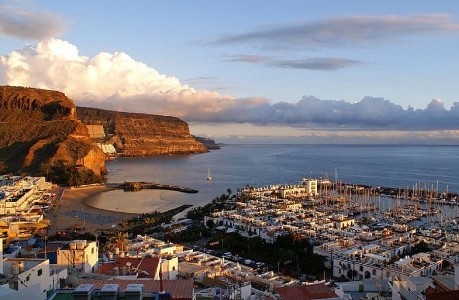 Wyspy Kanaryjskie to archipelag siedmiu górzystych wysp położonych na Oceanie Atlantyckim