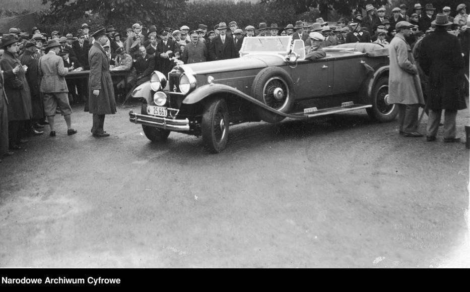 Samochód Packard, 1930 rokPokaz i konkurs piękności samochodów zorganizowany przez Automobilklub Polski w parku im