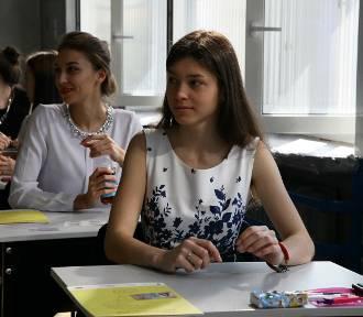 Matura 2016. Uczniowie XIII LO w Łodzi zdawali matematykę w języku francuskim [ZDJĘCIA]