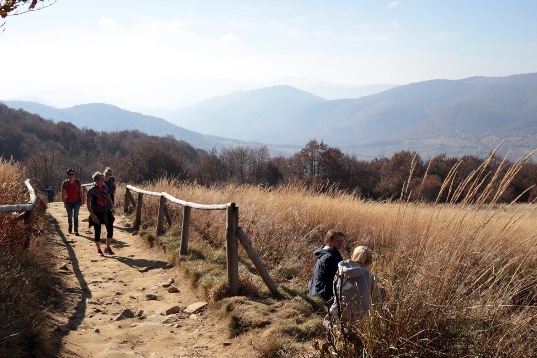 Czy jesień w Bieszczadach możliwa jest bez tłumów turystów? Na pewno nie w pogodny weekend, kiedy temperatury przekraczają 20 stopni Celsjusza