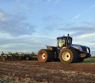 Rolnicy wciąż chętnie kupują nowe ciągniki. Pandemia nie przeszkodziła