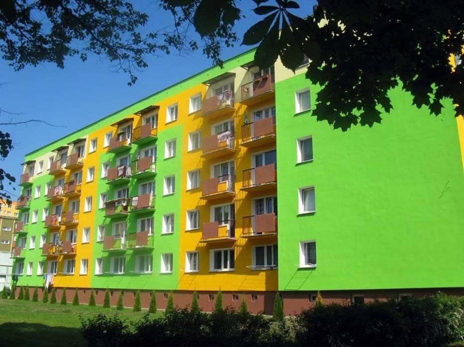 Znalezione obrazy dla zapytania brzydkie polskie bloki kolorowe