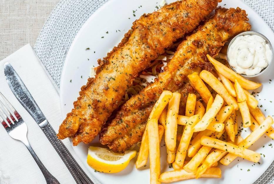 Ryba z frytkamiIle porcji ryby z frytkami kupisz za 100 zł w różnych miejscach?Turcja: 4Bałtyk: 3Bułgaria: 3Chorwacja: 2,5Grecja: 2 Najmniej przyjdzie zapłacić ci w Turcji, najwięcej - w Grecji