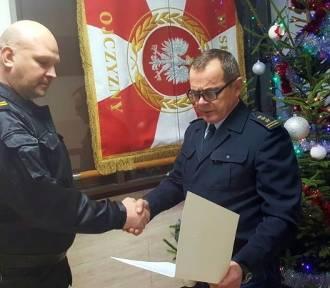 Brygadier Cezary Pichała z nagrodą Komendanta Głównego PSP