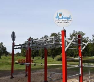 Nowa siłownia pod chmurką w grodziskim Parku Miejskim