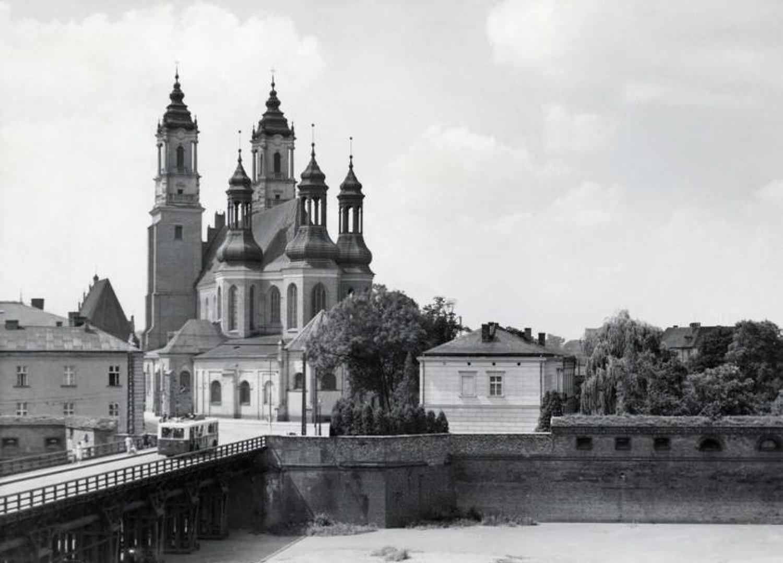 Most pomiędzy Ostrowem Tumskim a Śródką istniał do 1970 r