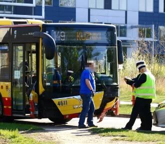Wypadek autobusu MPK na ul. Robotniczej. Wprowadzono objazdy