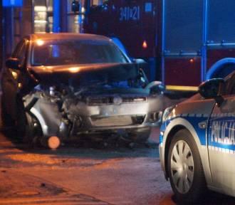 Wypadek w Kaliszu. Zderzenia aut na skrzyżowaniu ulic Chopina i Złotej. ZDJĘCIA