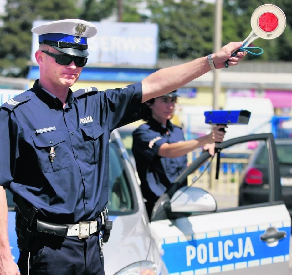 Udział w badaniach ankietowych nie jest podstawą do zatrzymania auta przez policjanta