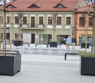 Rewitalizacja centrum Bochni dobiega końca. Uruchomiono fontannę