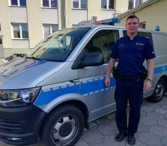 Poparzone dziecko w drodze do szpitala w Łasku z asystą policji. Pomogli dzielnicowi