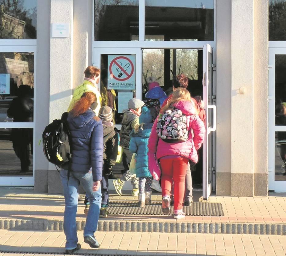 Posłać sześciolatka do szkoły? W ubiegłym roku, od 1 września, naukę w pierwszych klasach rozpoczęło 200 sześcioletnich uczniów