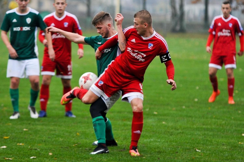 Piotr Jamuła nie tylko bardzo dobrze spisuje się w Polonii Głubczyce jako piłkarz, ale też obiecująco radzi sobie w roli trenera