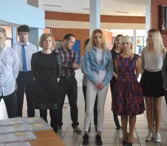 Egzamin gimnazjalny 2018 w Lesznie - tu sprawdzisz wyniki części językowej [FOTO]