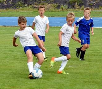 Młodzi piłkarze rywalizowali na stadionie pilskiego MOSiR-u [ZDJĘCIA]