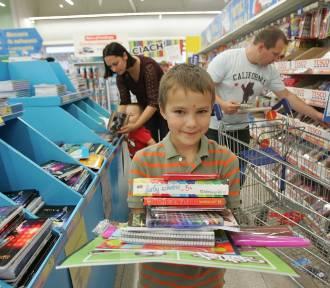 Wyprawka dla ucznia - ile to kosztuje, co jest niezbędne i gdzie można kupić w promocji?