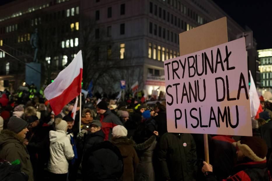 Marsz KOD 13 grudnia, Warszawa. Strajk obywatelski na 35. rocznicę stanu wojennego [ZDJĘCIA]