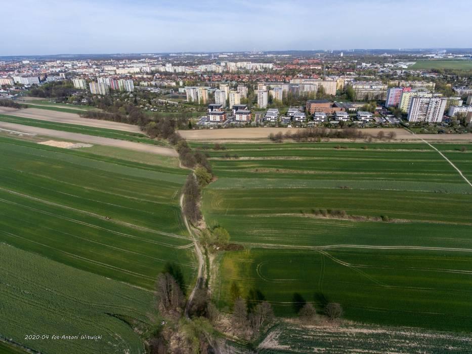 Mieszkańcy nie chcą budowy dużego zbiornika w rejonie osiedla SikornikZobacz kolejne zdjęcia