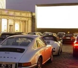 Nowa atrakcja Kielc. Kino samochodowe lub na leżakach (WIDEO)