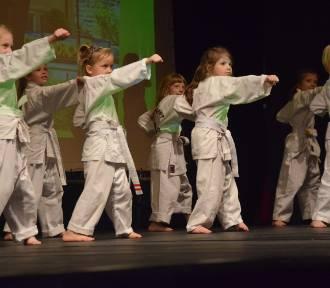 Przedszkole nr 8 w Tychach świętuje 65. urodziny. Gala w Teatrze Małym ZDJĘCIA