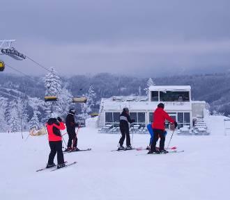 Sezon narciarski ruszył w Beskidach pełną parą [ZDJĘCIA]