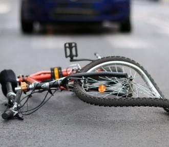 Wypadek w Szpinalowie. Ford najechał na rower, obok leżał ranny rowerzysta
