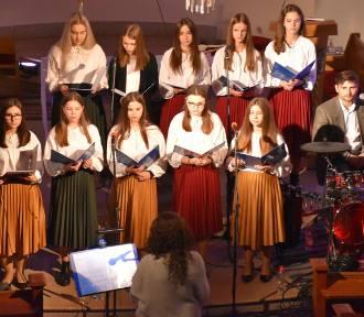 """Pleszew pamięta o swoim patronie! Koncert """"Totus Tuus"""" w hołdzie Janowi Pawłowi II"""