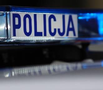 Policyjny pościg pod Kaliszem. W Trojanowie 65-latek próbował potrącić funkcjonariuszy