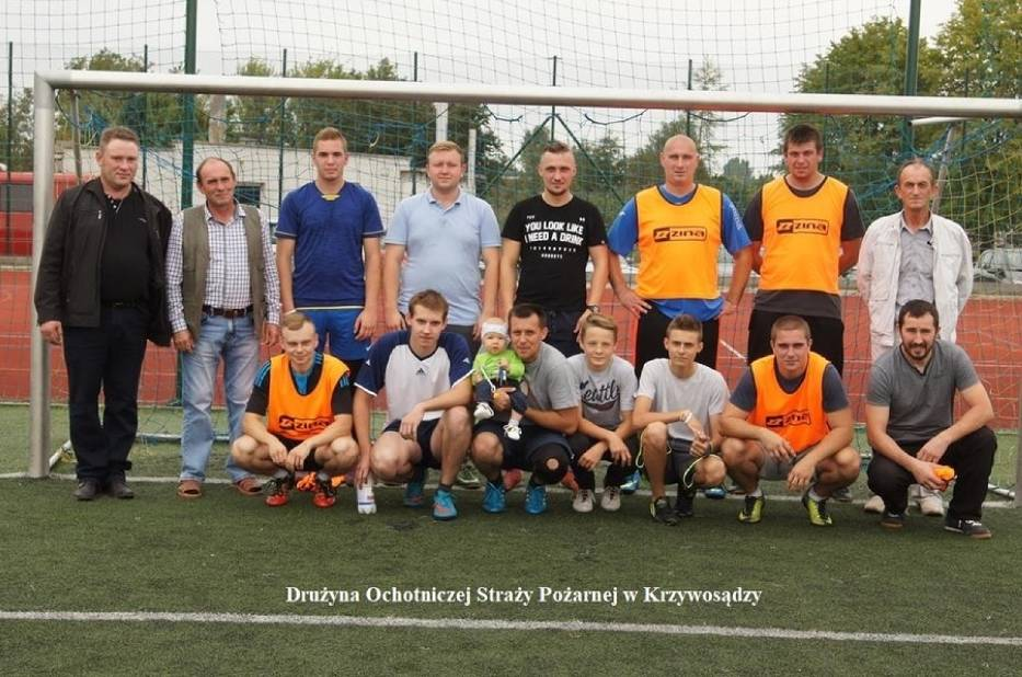 Na boisku orlika w Dobrem Zarząd Gminny OSP zorganizował  turniej w piłkę nożną
