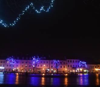 Na ulicach Łowicza widać nadchodzące święta [ZDJĘCIA]