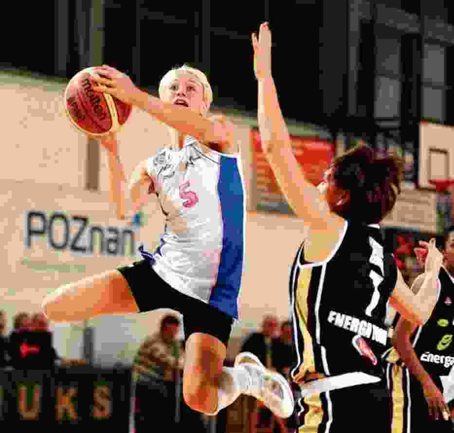 Aleksandra Semmler przekonuje, żeby z ocenami nowych koszykarek powstrzymać się do dzisiejszego meczu z ŁKS