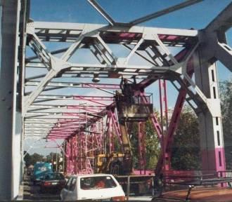 Różowy most na Odrze w Głogowie - wiecie, kto zdecydował, że ma taki kolor?
