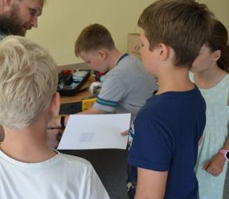"""""""Zero Waste"""" - tego uczą dzieci w Skierniewicach. Eko majsterkowanie - zrobić coś z niczego [ZDJĘCIA]"""