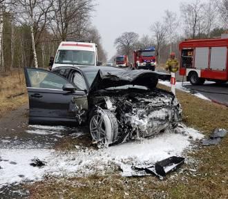 Poważny wypadek na trasie Zasieki - Brody. Zderzyły się dwa samochody osobowe