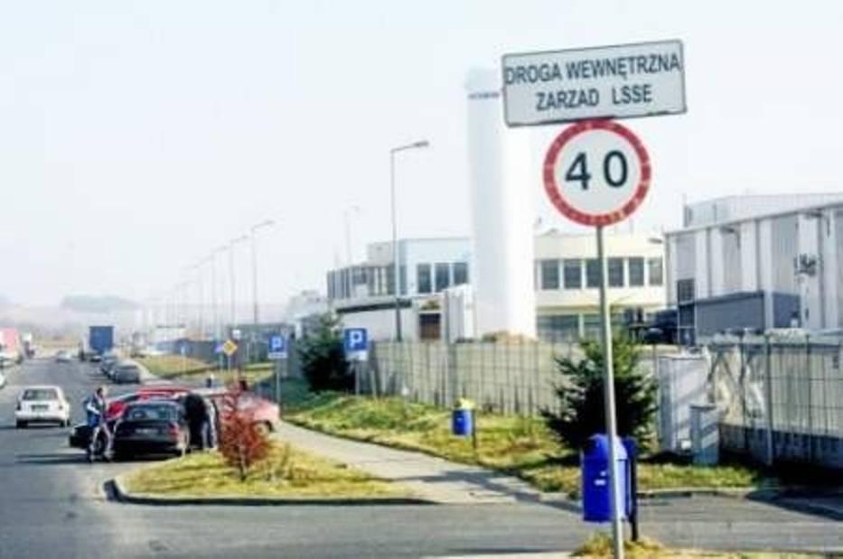 W fabrykach znajdujących się na terenie LSSE obecnie pracują 8033 osoby  Fot