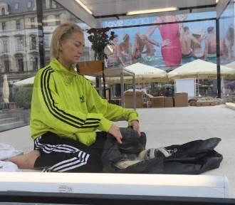 Aktorka Kamilla Baar przez 24 godziny będzie zamknięta w szklanej klatce